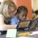 Eskola-familien arteko harremanak eraiki behar ditugu ikasleen irakurketa-gaitasuna hobetzeko